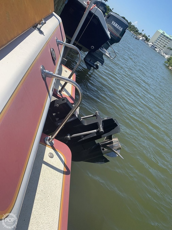 1984 Hallett boat for sale, model of the boat is 24 & Image # 13 of 40