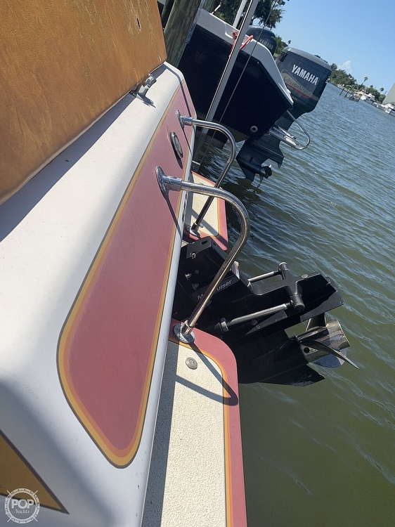 1984 Hallett boat for sale, model of the boat is 24 & Image # 16 of 40