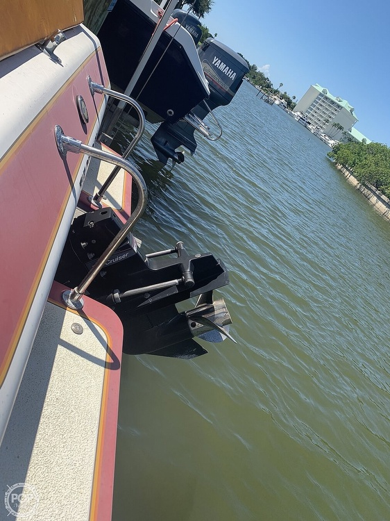 1984 Hallett boat for sale, model of the boat is 24 & Image # 17 of 40