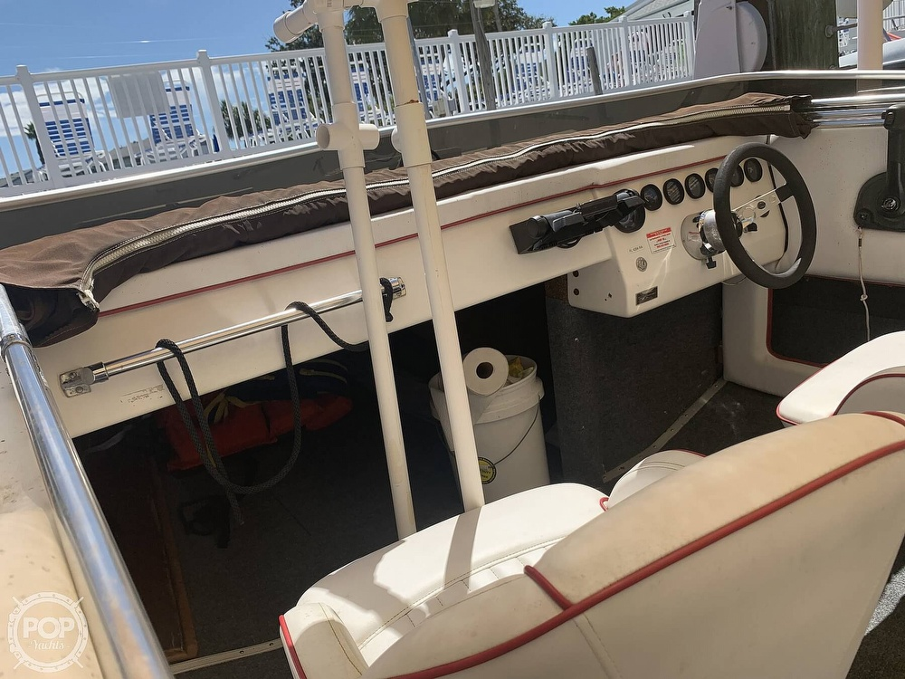 1984 Hallett boat for sale, model of the boat is 24 & Image # 31 of 40