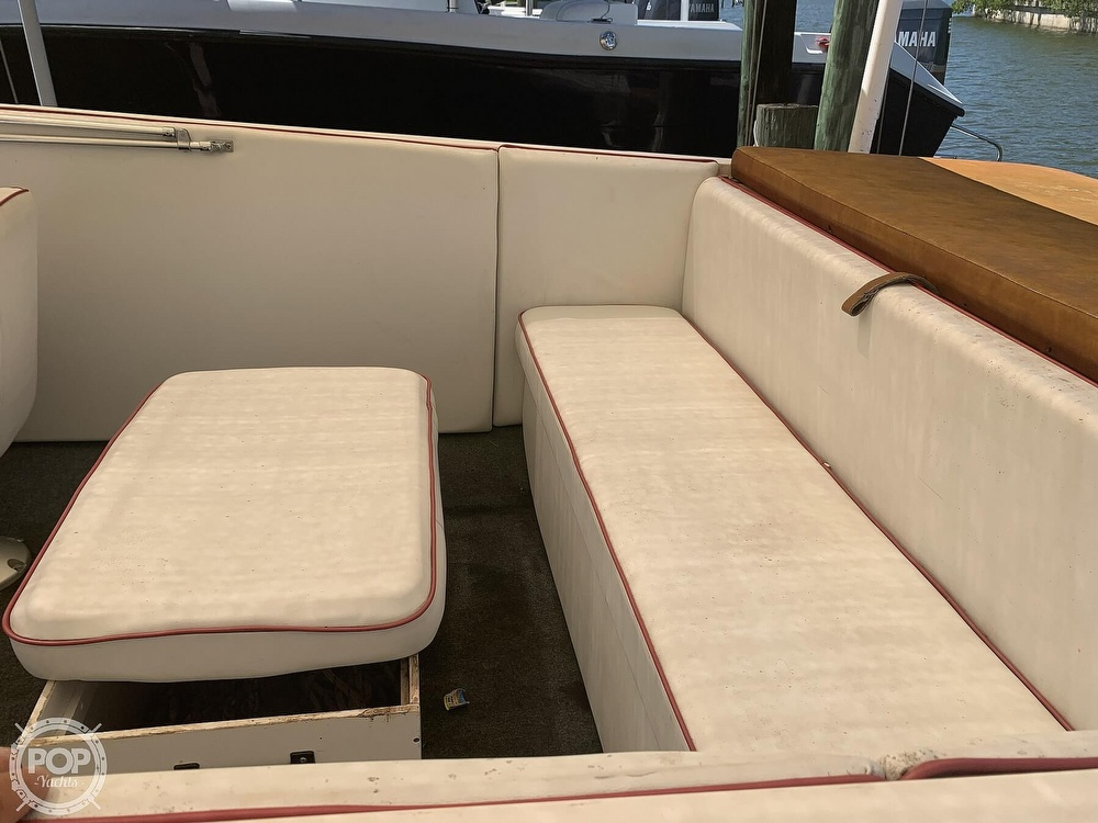 1984 Hallett boat for sale, model of the boat is 24 & Image # 38 of 40
