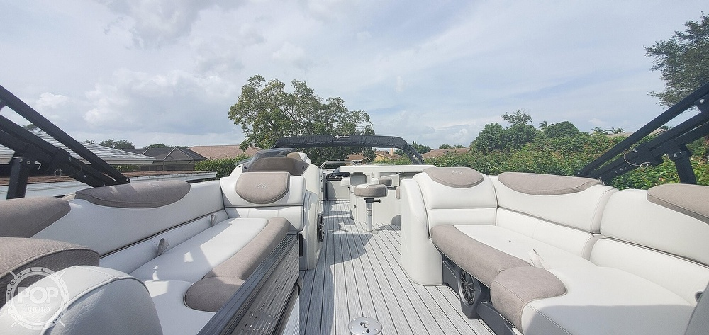 2020 Avalon boat for sale, model of the boat is Catalina 2585 Entertainer & Image # 2 of 40