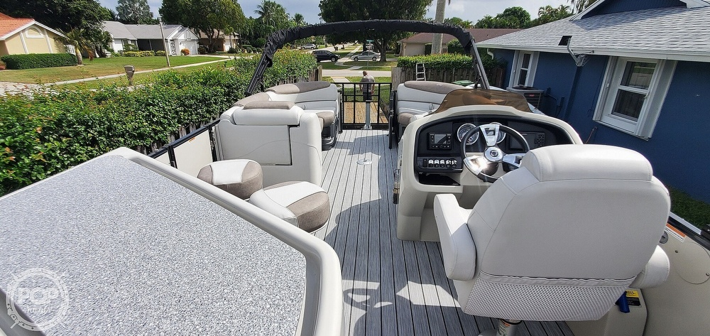2020 Avalon boat for sale, model of the boat is Catalina 2585 Entertainer & Image # 4 of 40