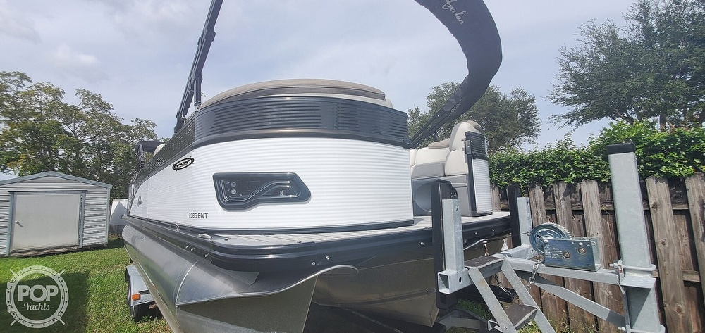 2020 Avalon boat for sale, model of the boat is Catalina 2585 Entertainer & Image # 15 of 40