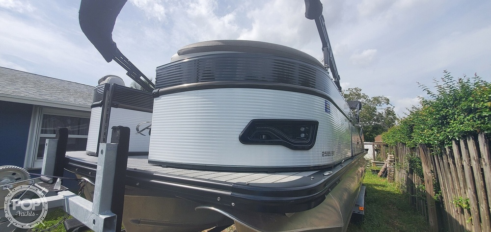 2020 Avalon boat for sale, model of the boat is Catalina 2585 Entertainer & Image # 22 of 40
