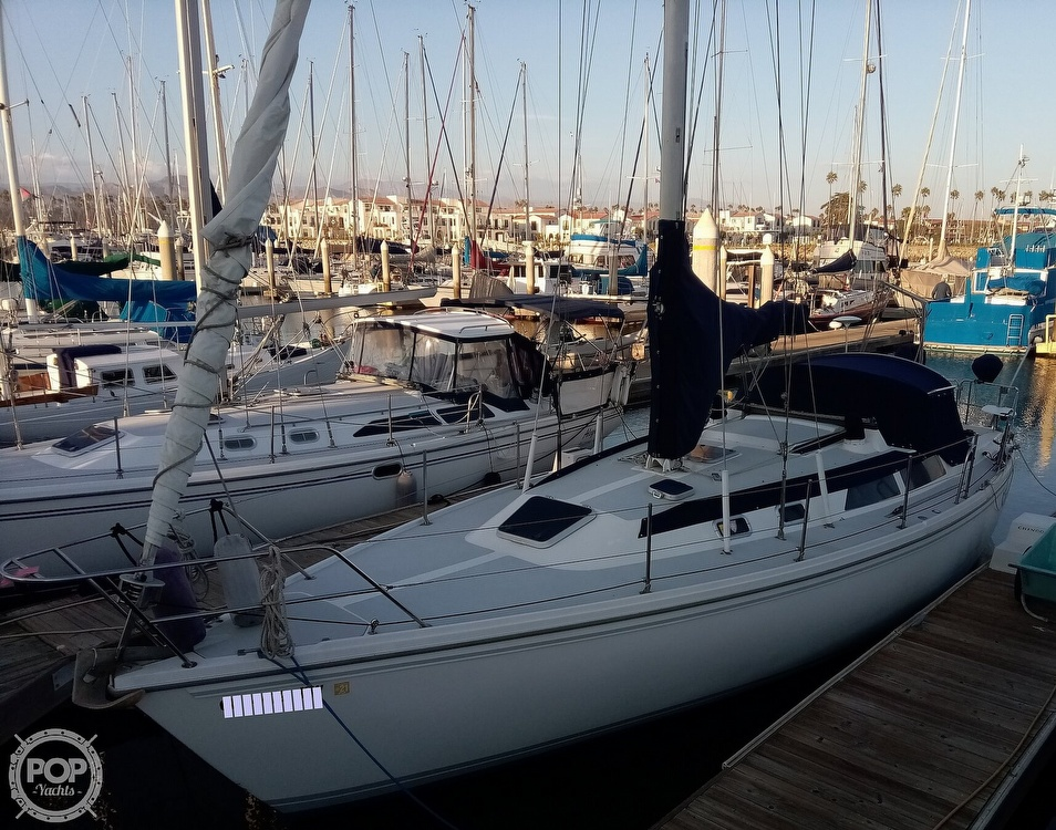 1991 Catalina Yachts boat for sale, model of the boat is 36 & Image # 4 of 40