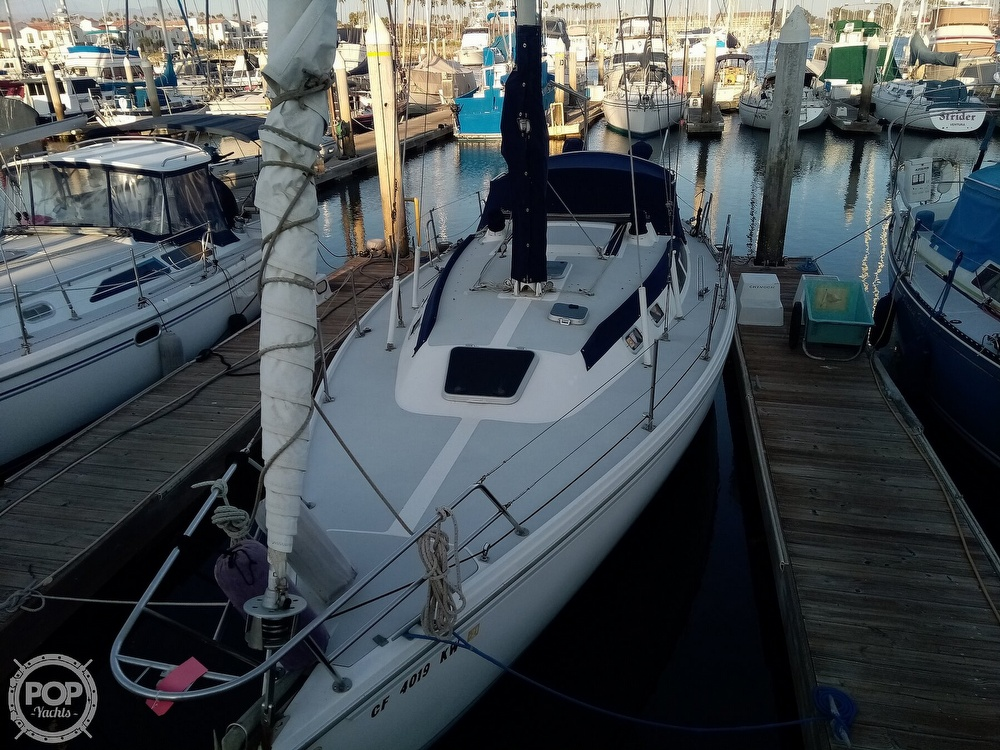 1991 Catalina Yachts boat for sale, model of the boat is 36 & Image # 3 of 40