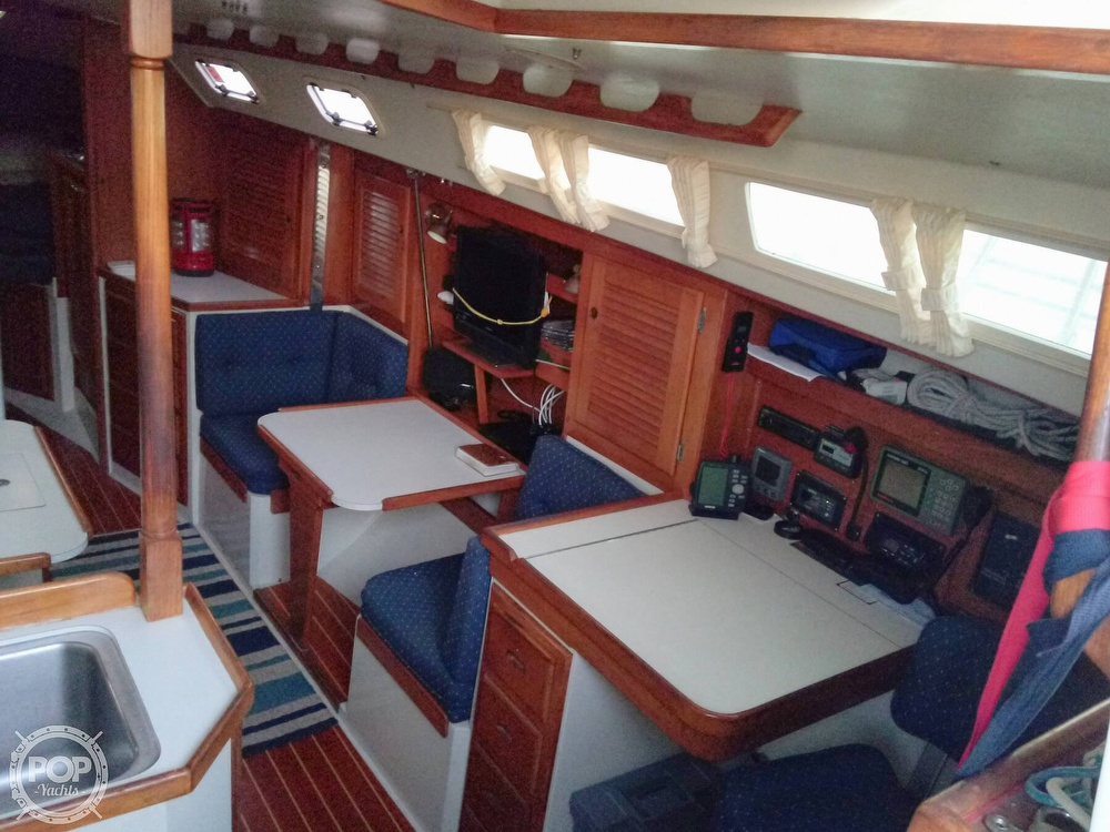 1991 Catalina Yachts boat for sale, model of the boat is 36 & Image # 8 of 40