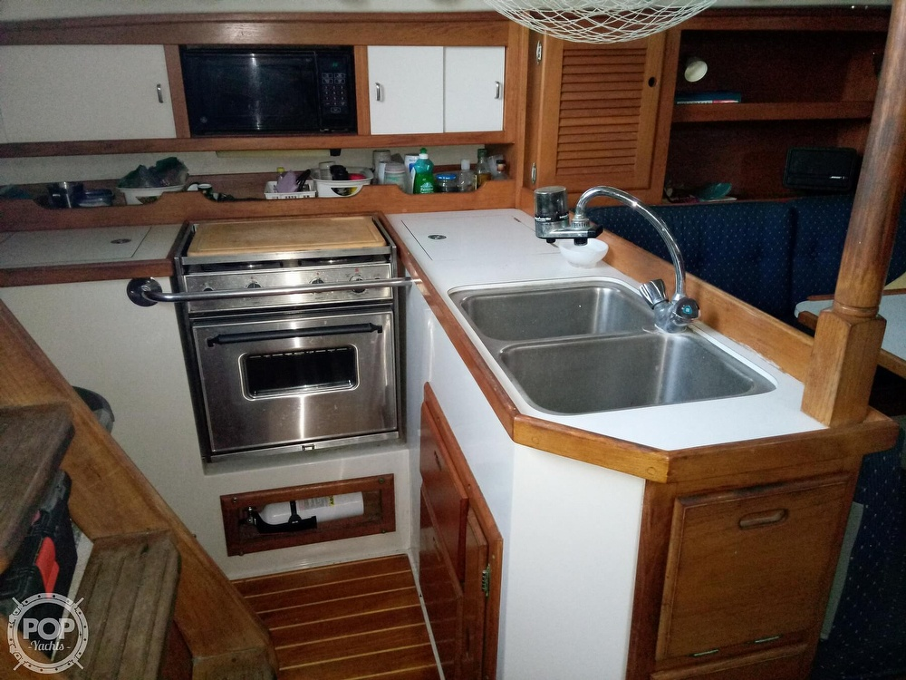 1991 Catalina Yachts boat for sale, model of the boat is 36 & Image # 10 of 40