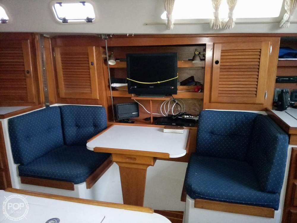 1991 Catalina Yachts boat for sale, model of the boat is 36 & Image # 19 of 40