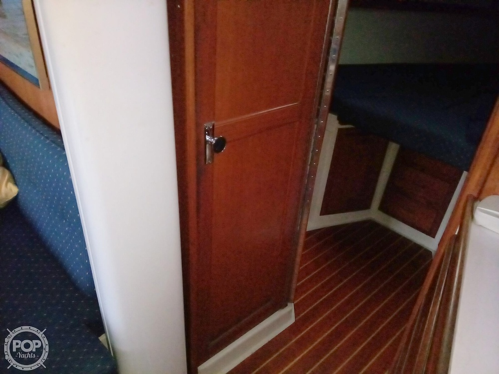 1991 Catalina Yachts boat for sale, model of the boat is 36 & Image # 22 of 40