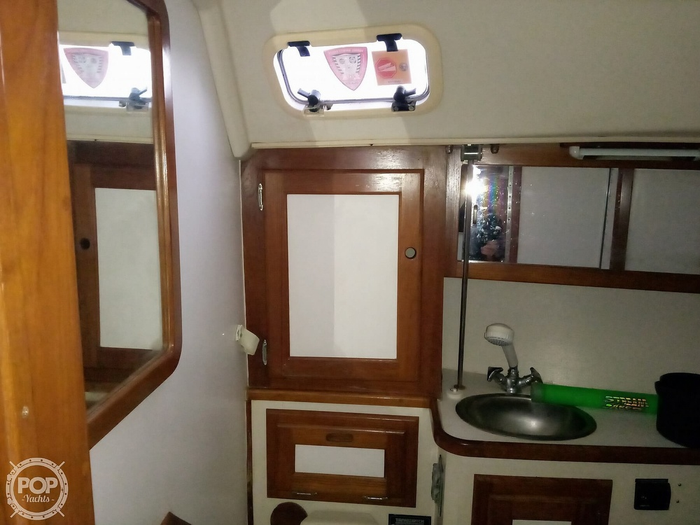 1991 Catalina Yachts boat for sale, model of the boat is 36 & Image # 27 of 40