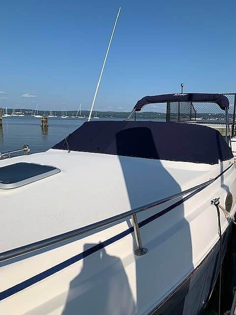 2004 Rinker boat for sale, model of the boat is 250 Fiesta Vee & Image # 8 of 40