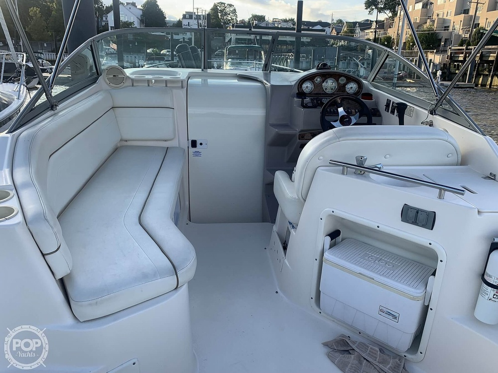 2004 Rinker boat for sale, model of the boat is 250 Fiesta Vee & Image # 20 of 40