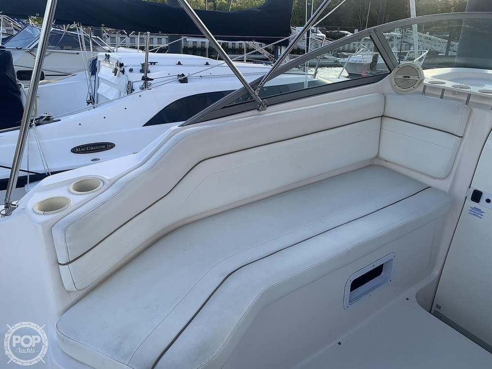 2004 Rinker boat for sale, model of the boat is 250 Fiesta Vee & Image # 24 of 40