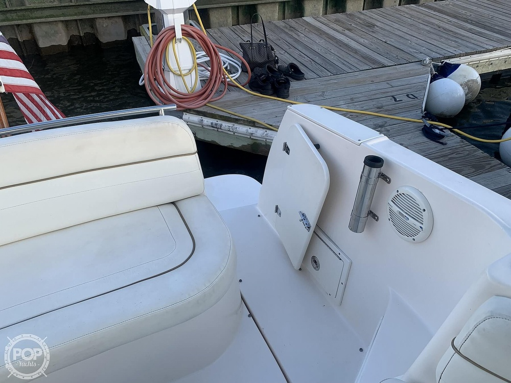 2004 Rinker boat for sale, model of the boat is 250 Fiesta Vee & Image # 30 of 40