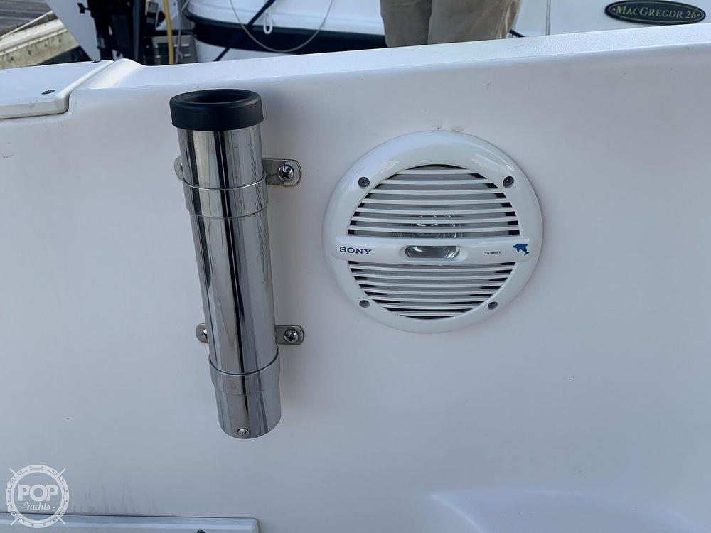 2004 Rinker boat for sale, model of the boat is 250 Fiesta Vee & Image # 39 of 40