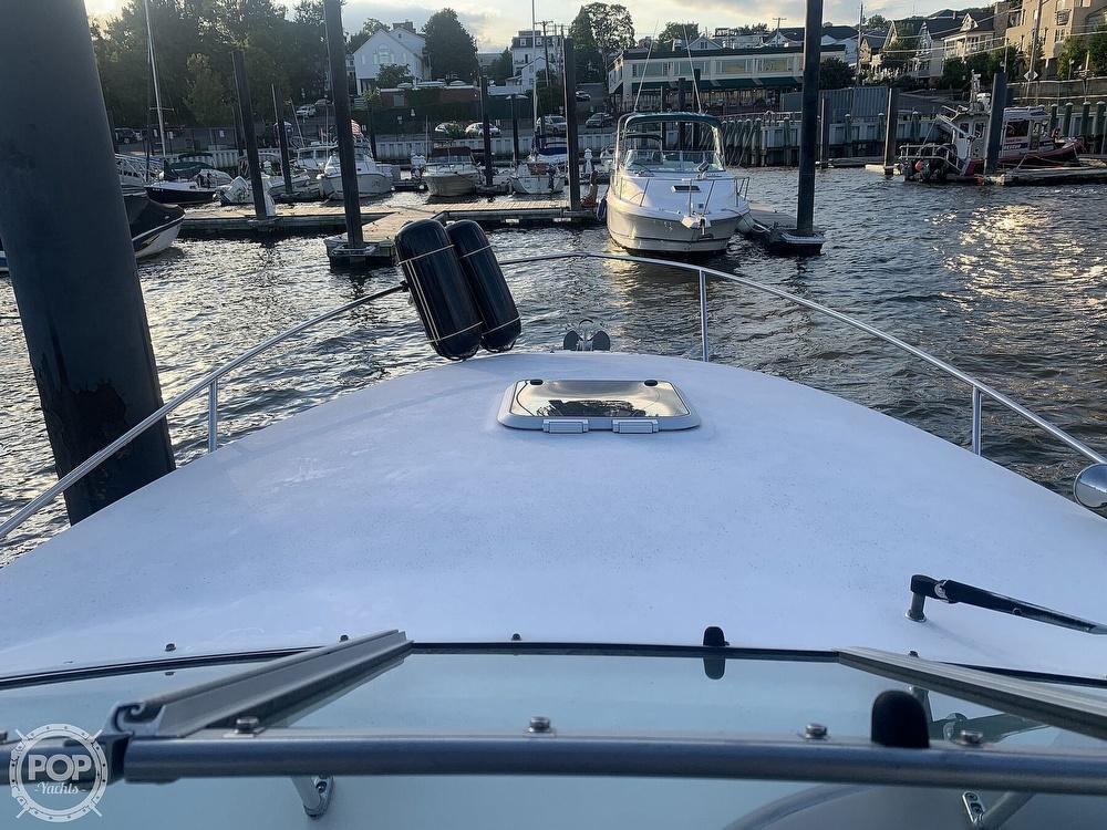 2004 Rinker boat for sale, model of the boat is 250 Fiesta Vee & Image # 37 of 40