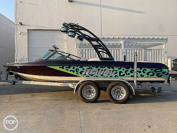 1997 Malibu boat for sale, model of the boat is Response & Image # 2 of 6