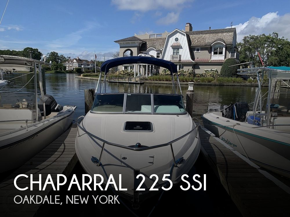 2015 Chaparral boat for sale, model of the boat is 225 SSI & Image # 1 of 40