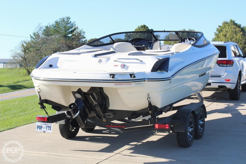 2021 Stingray boat for sale, model of the boat is 225 SE & Image # 2 of 40