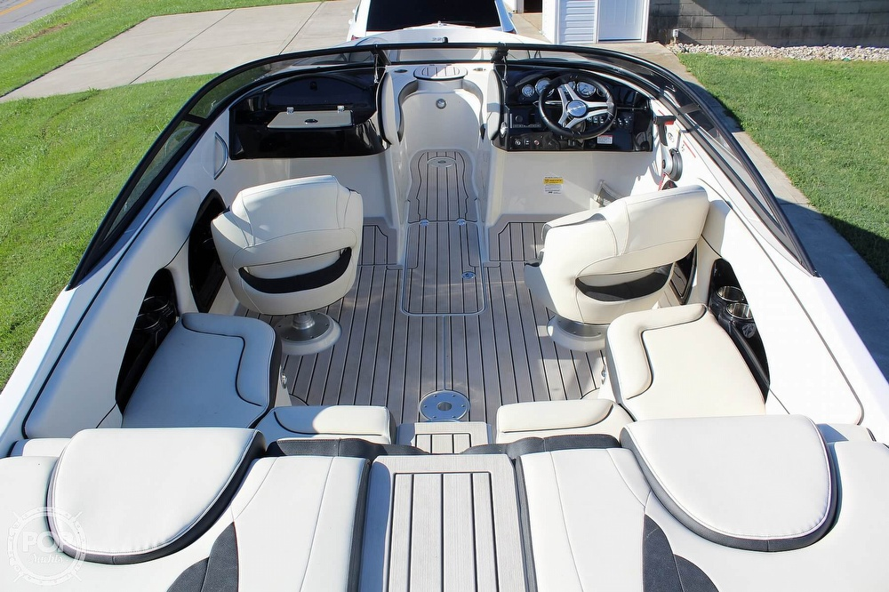 2021 Stingray boat for sale, model of the boat is 225 SE & Image # 6 of 40