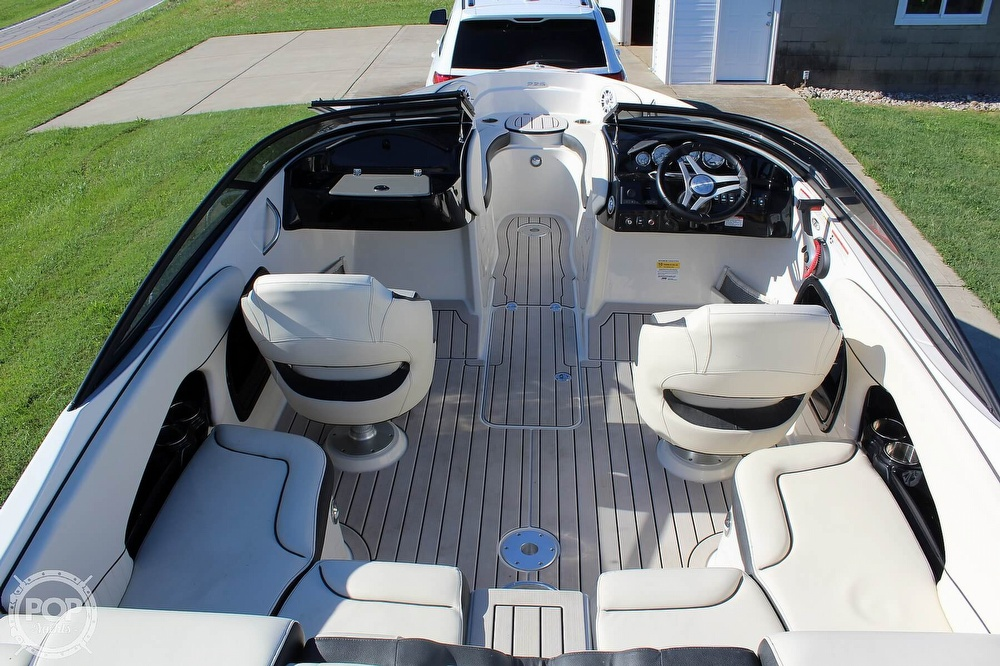2021 Stingray boat for sale, model of the boat is 225 SE & Image # 12 of 40