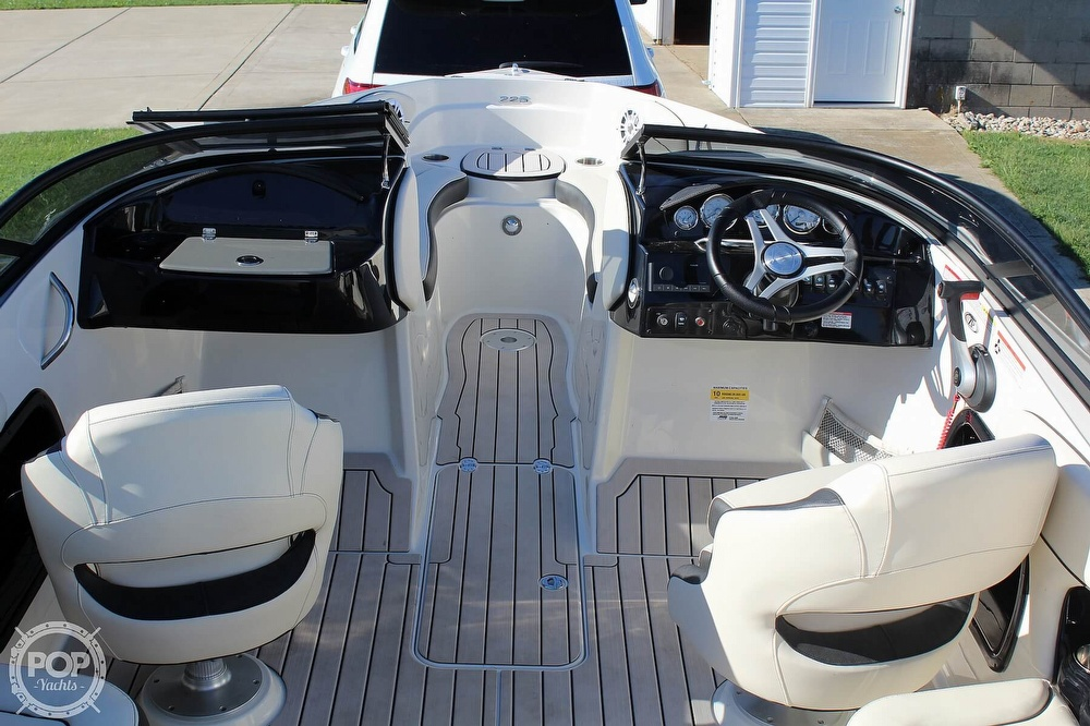 2021 Stingray boat for sale, model of the boat is 225 SE & Image # 13 of 40