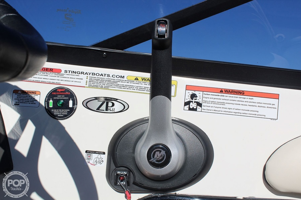 2021 Stingray boat for sale, model of the boat is 225 SE & Image # 27 of 40