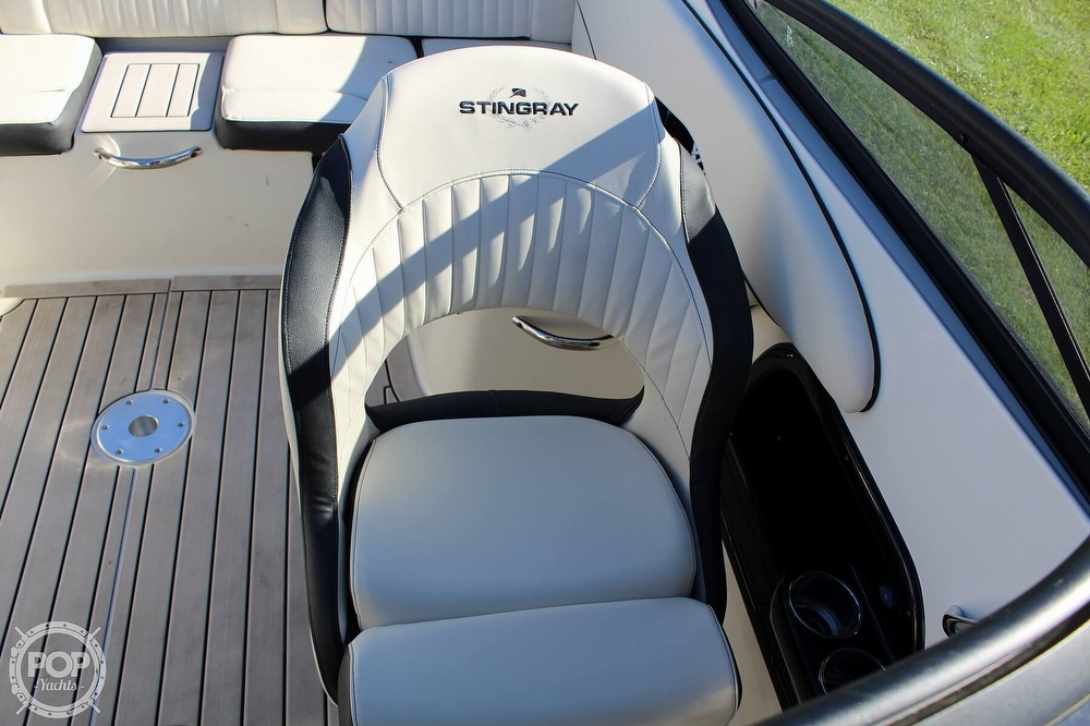 2021 Stingray boat for sale, model of the boat is 225 SE & Image # 33 of 40