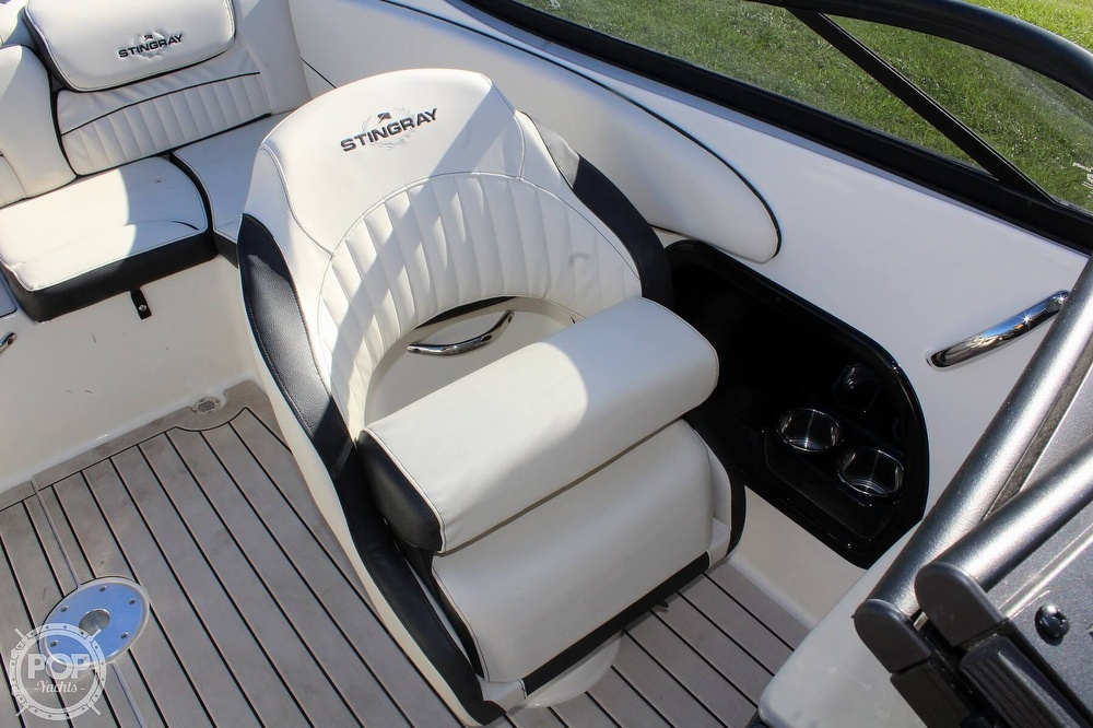 2021 Stingray boat for sale, model of the boat is 225 SE & Image # 34 of 40