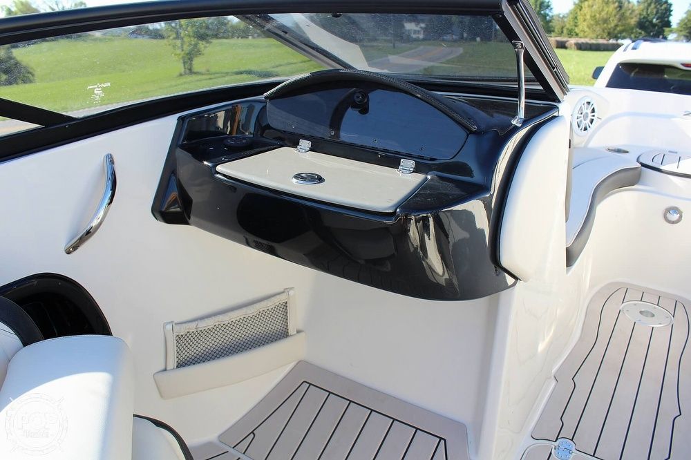 2021 Stingray boat for sale, model of the boat is 225 SE & Image # 35 of 40