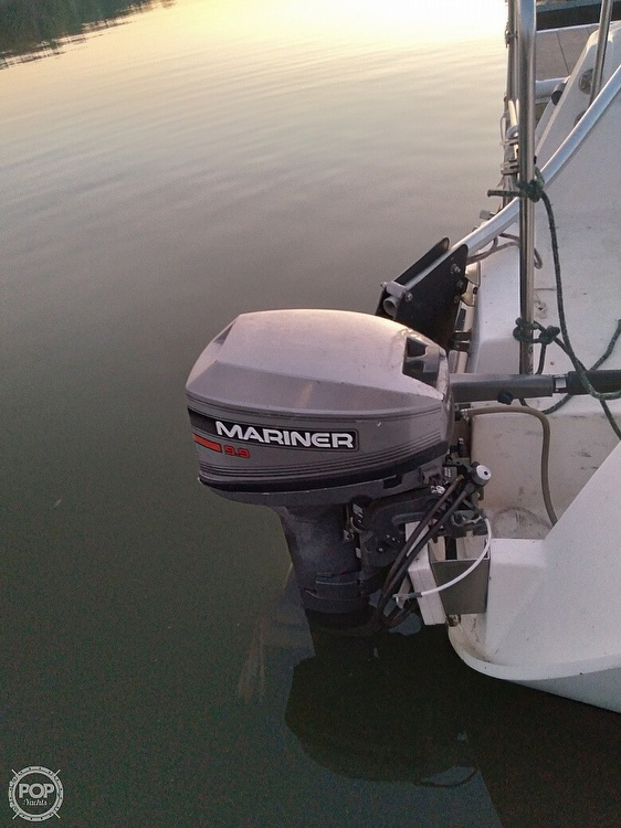 1997 Hunter boat for sale, model of the boat is 23.5 & Image # 6 of 8