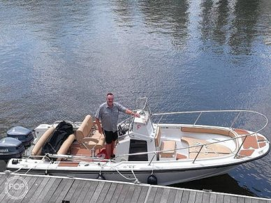 Boston Whaler 210 Outrage, 210, for sale - $32,500