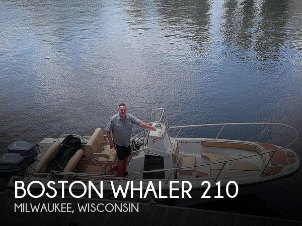1995 Boston Whaler boat for sale, model of the boat is 210 Outrage & Image # 1 of 8