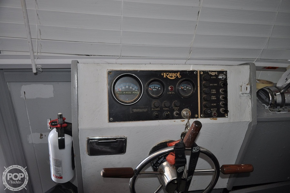 1976 Harris boat for sale, model of the boat is 46' Steel Pontoon Houseboat & Image # 38 of 40