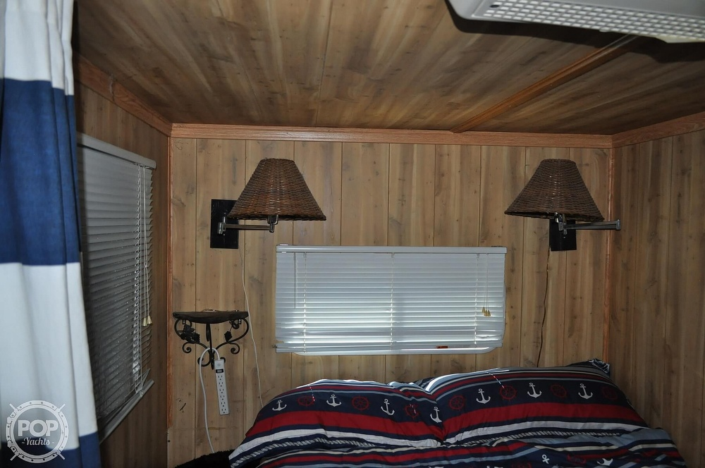 1976 Harris boat for sale, model of the boat is 46' Steel Pontoon Houseboat & Image # 29 of 40