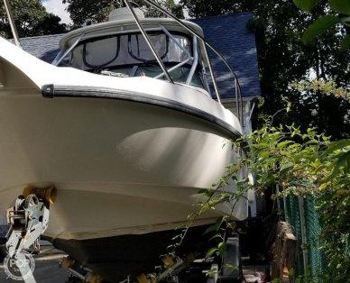 Boston Whaler Conquest, 29', for sale - $55,600