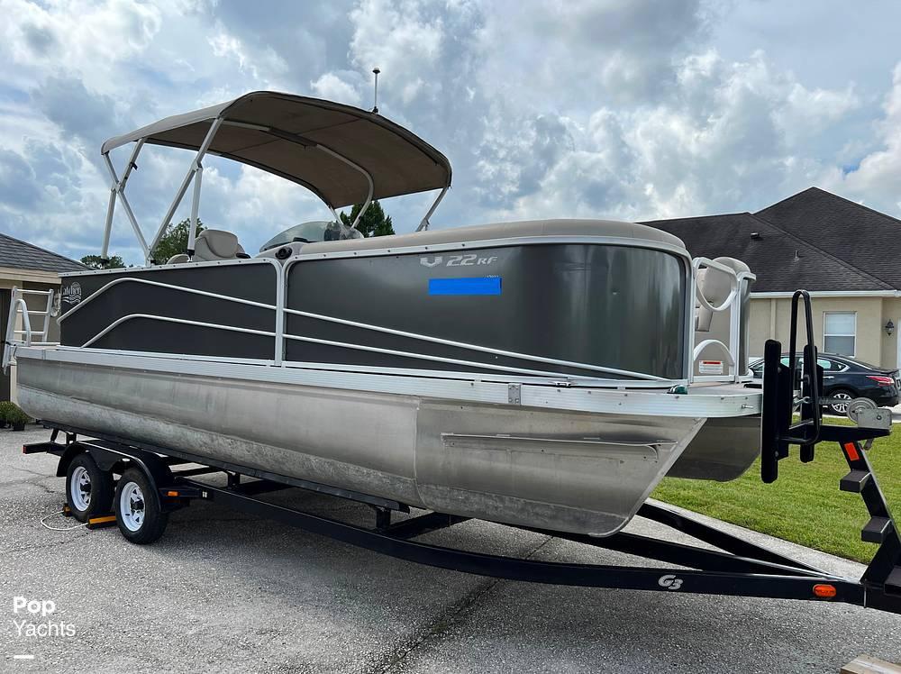 2017 SunCatcher boat for sale, model of the boat is V22 RF & Image # 22 of 40