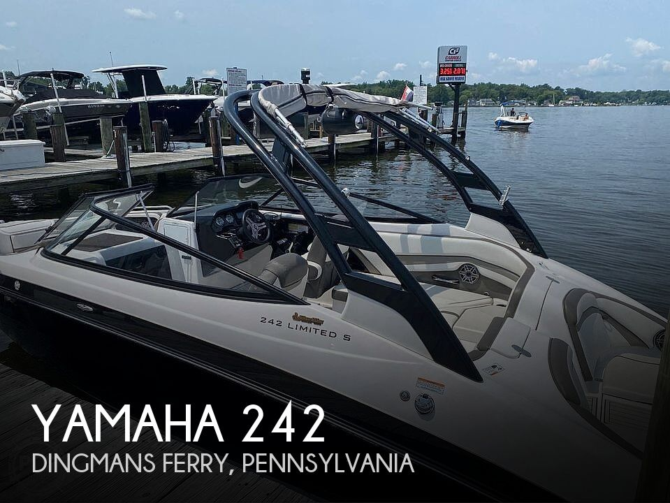 2017 Yamaha boat for sale, model of the boat is 242 Limited S & Image # 1 of 40