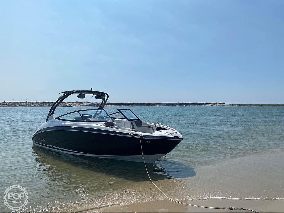 2017 Yamaha boat for sale, model of the boat is 242 Limited S & Image # 2 of 40