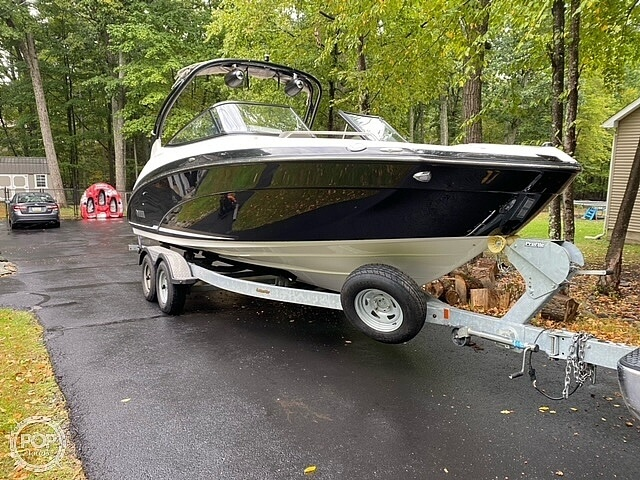 2017 Yamaha boat for sale, model of the boat is 242 Limited S & Image # 18 of 40
