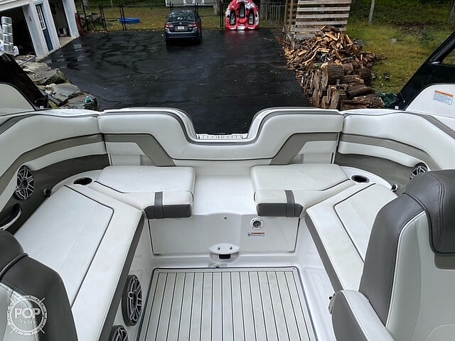 2017 Yamaha boat for sale, model of the boat is 242 Limited S & Image # 19 of 40