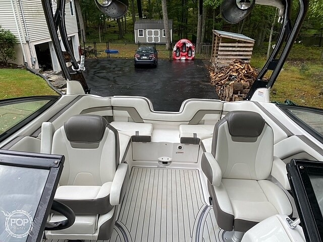 2017 Yamaha boat for sale, model of the boat is 242 Limited S & Image # 20 of 40