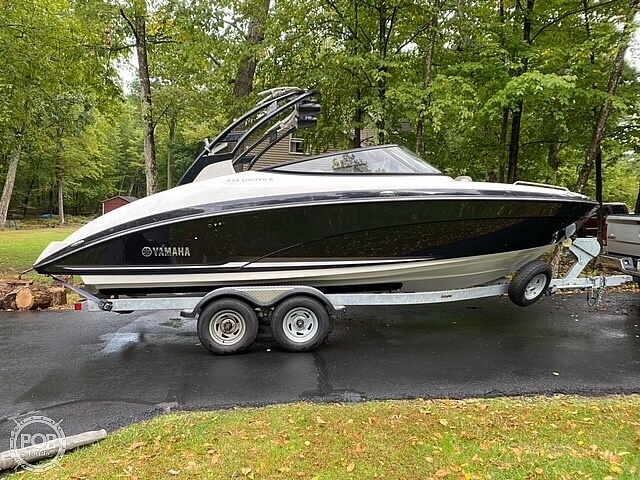 2017 Yamaha boat for sale, model of the boat is 242 Limited S & Image # 25 of 40