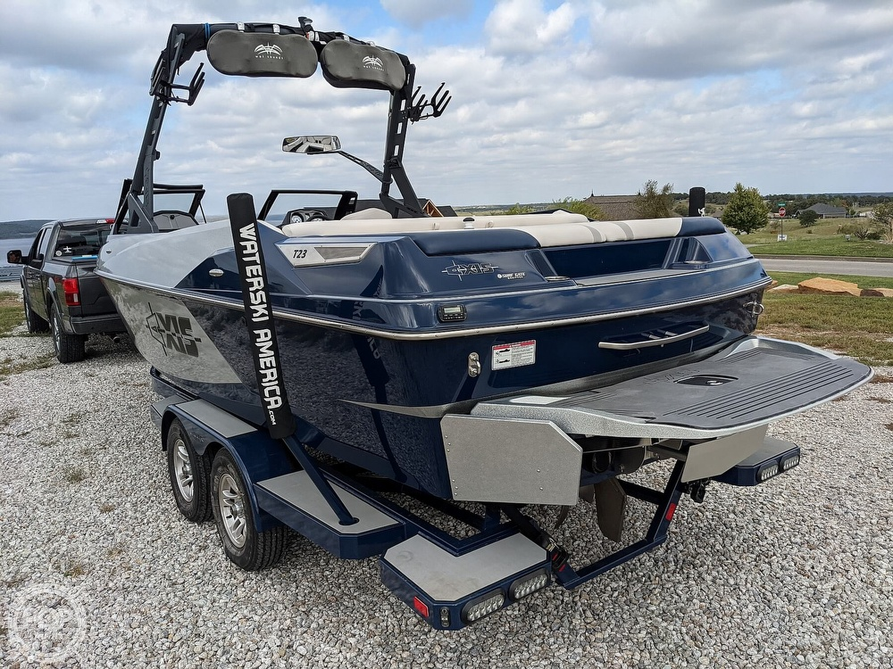 2017 Axis boat for sale, model of the boat is T23 & Image # 5 of 40