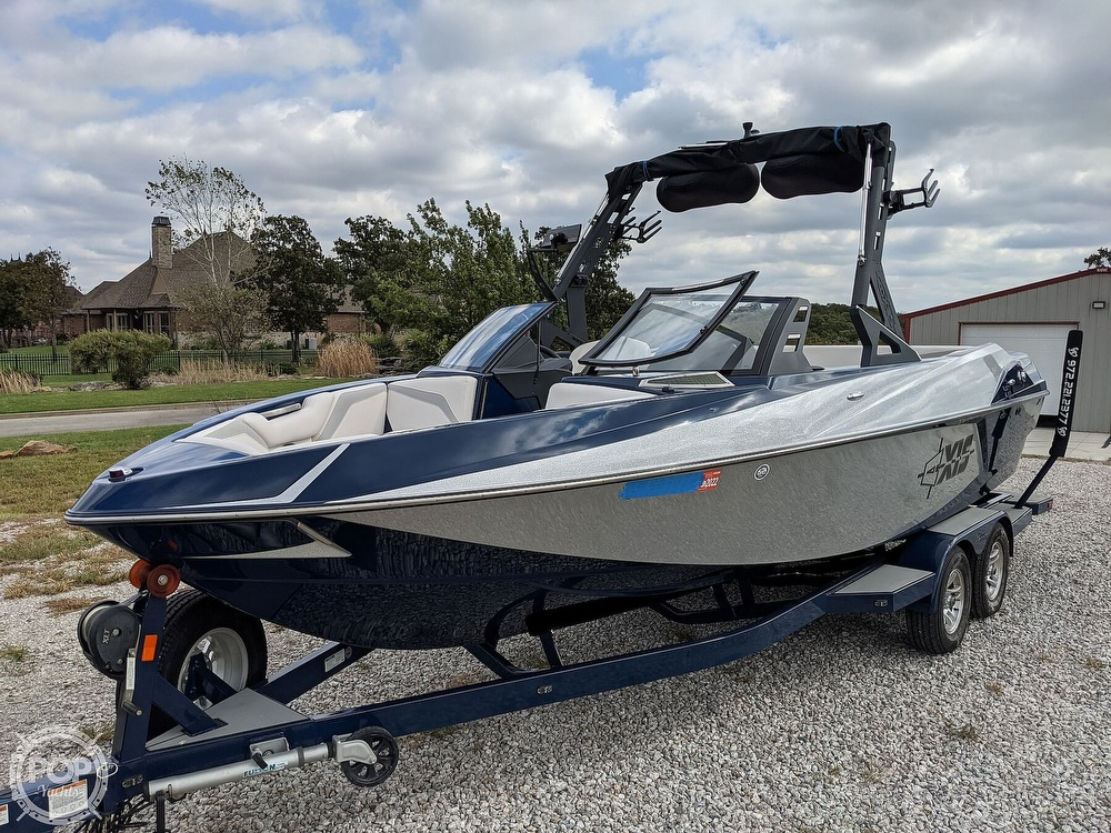 2017 Axis boat for sale, model of the boat is T23 & Image # 9 of 40
