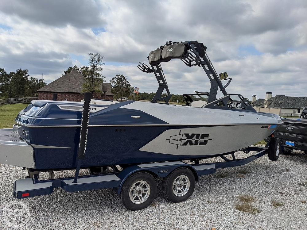 2017 Axis boat for sale, model of the boat is T23 & Image # 11 of 40