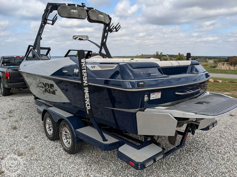 2017 Axis boat for sale, model of the boat is T23 & Image # 19 of 40