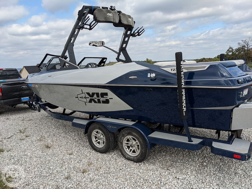 2017 Axis boat for sale, model of the boat is T23 & Image # 20 of 40